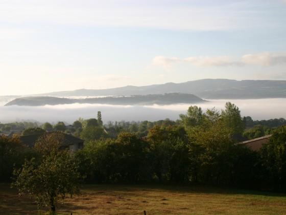 Nebel über dem Aveyron